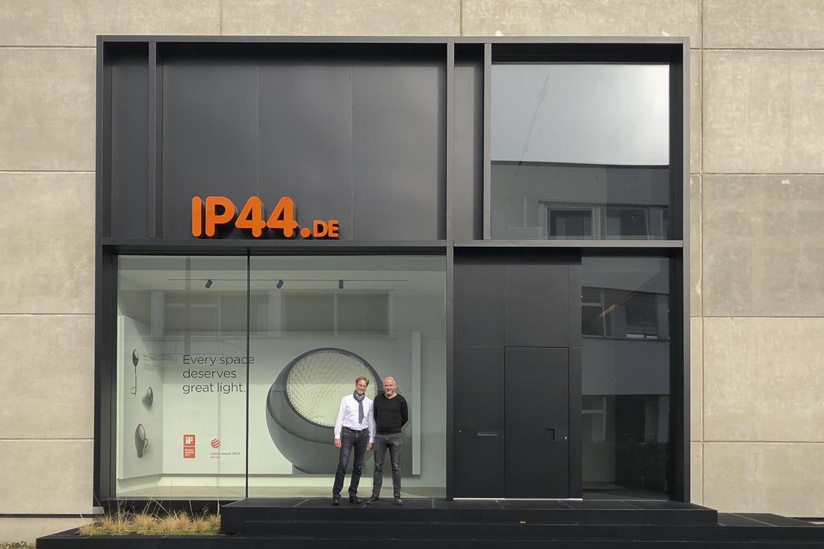 "Zu Besuch bei<span class=""caps"">IP44</span>"